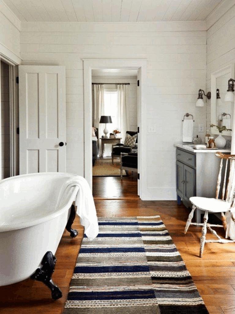 drveni podne oblege u kupatilu