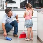 Evo koje kućne poslove prema godinama mogu raditi vaši klinci