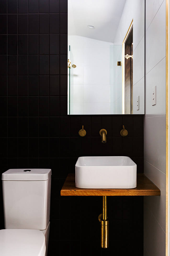 viseci umivaonici za mala kupatila