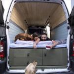 Par iz Beograda kombi pretvorio u dom u kojem putuje po svijetu