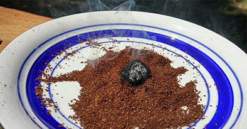 spaljivanje taloga od kafe protivkomaraca