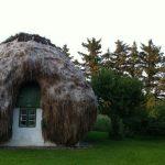 Srednjovjekovna kuća sa krovom od morske trave