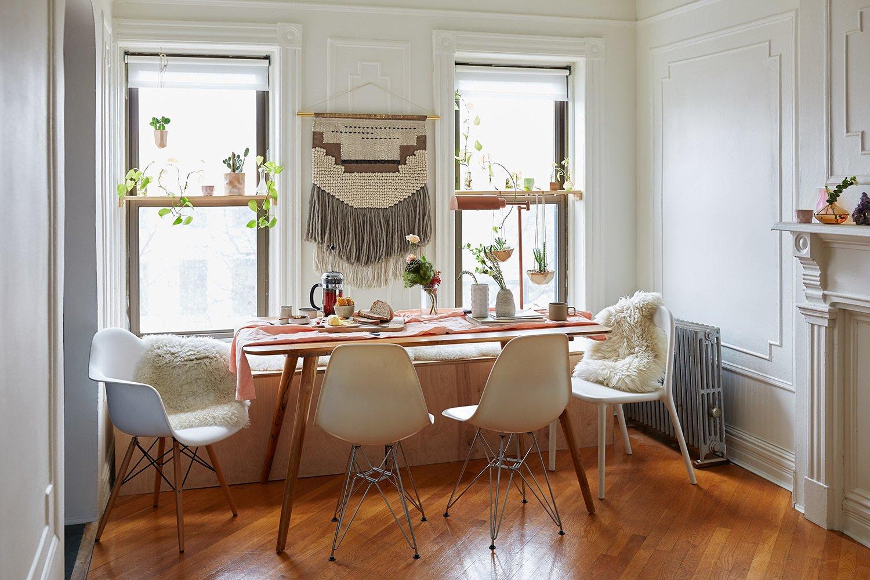 razlicite stolice za trpezarijskim stolom