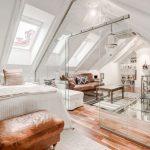 Kako su staklene pregrade uljepšale stan u potkrovlju