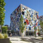 Poslovne zgrade oslikane živahnim muralima