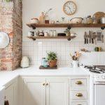 Za i protiv: Koliko je zaista teško održavati otvorene police u kuhinji?
