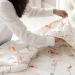 Kako da za 30 sekundi složite posteljinu sa gumom
