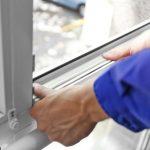 Dihtovanjem vrata i prozora aluminijumskim lajsnama do manjih računa za grijanje