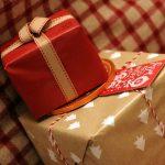 Genijalan trik za pakovanje uz koji će svi vaši pokloni izgledati savršeno