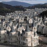 Turska ima selo sa stotinama napuštenih dvoraca, izgleda jezivo