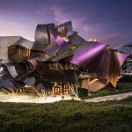 10 zgrada arhitekte Franka Gehryja koje izgledaju kao iz sci-fi filma