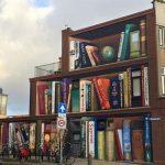"""Pretvorili zgradu u """"policu"""" za knjige"""
