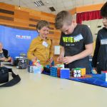 Na prvenstvu u slaganju Rubikove kocke 55 takmičara