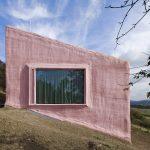 Dizajnirana mikro kuća za odmor: Ne dopustite da vas boja fasade zavara