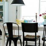 Rasparene stolice novi trend uređenja trpezarije